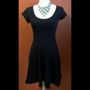 Dresses - CUTE lil' Black Dress